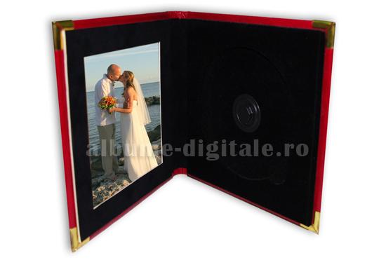 carcasa 1 dvd din piele cu catifea si fotografie pe interior